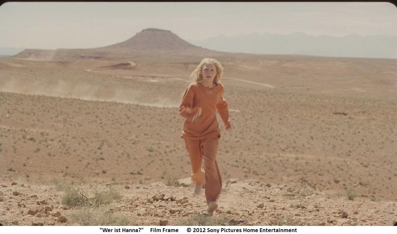 Quer durch die Wüste flüchtet Hanna vor ihren Verfolgern