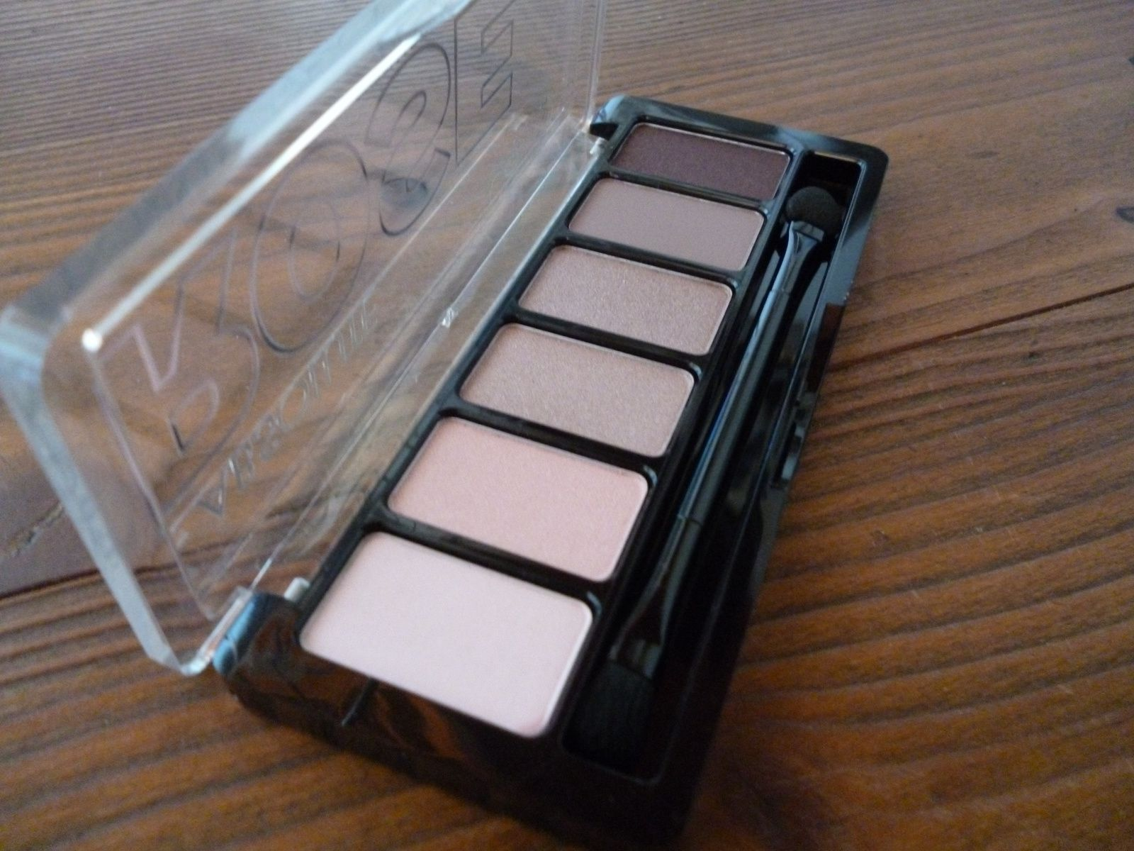 Review: Catrice Absolute Eyeshadow Paletten