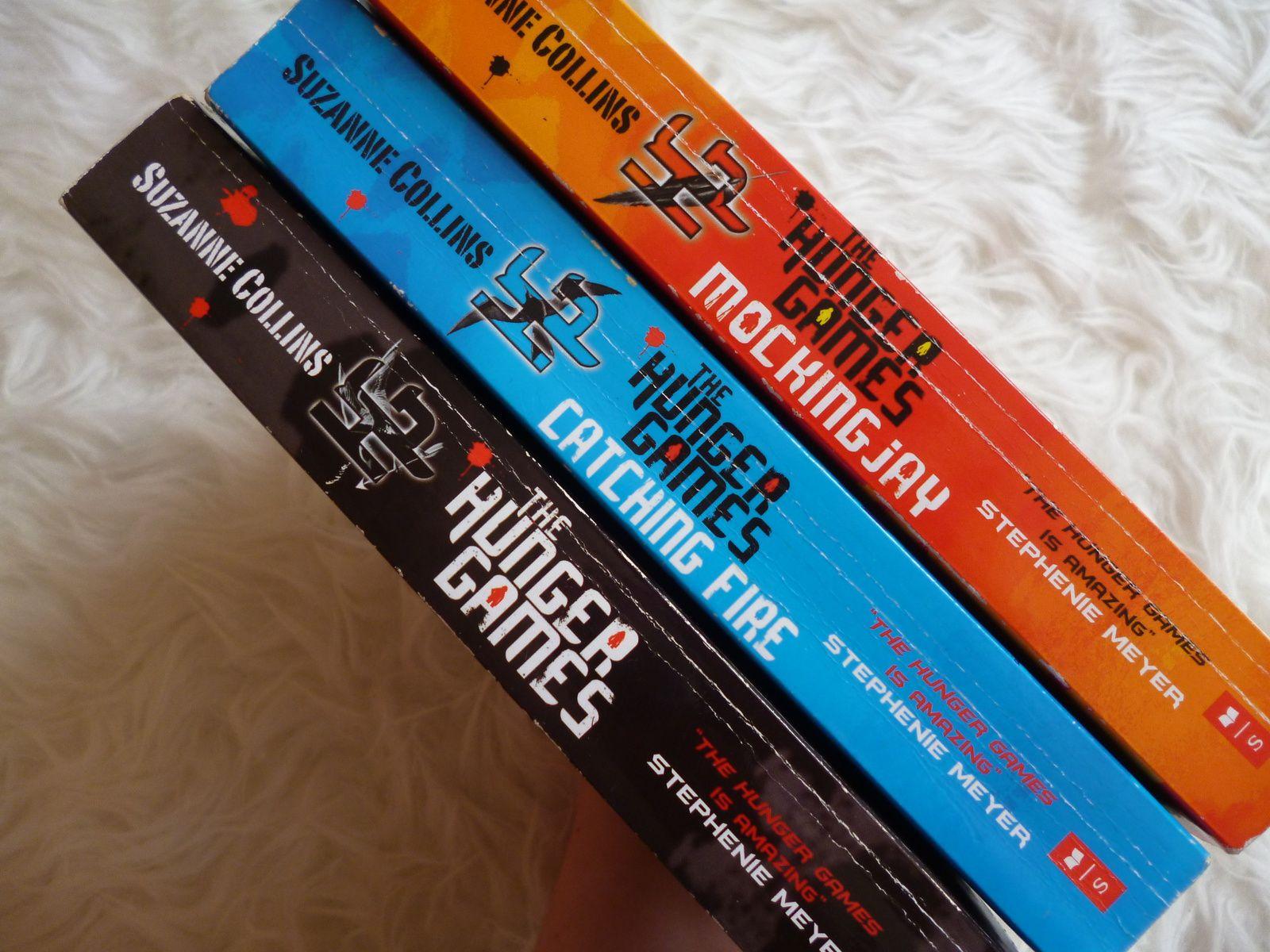 """Alle drei Buchrücken meiner """"Hunger Games""""-Saga sind gebrochen :(("""
