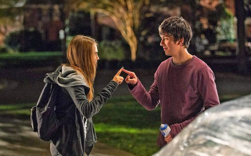 'Paper Towns' TV Spots 'Find Yourself' &amp&#x3B; 'Get Lost'