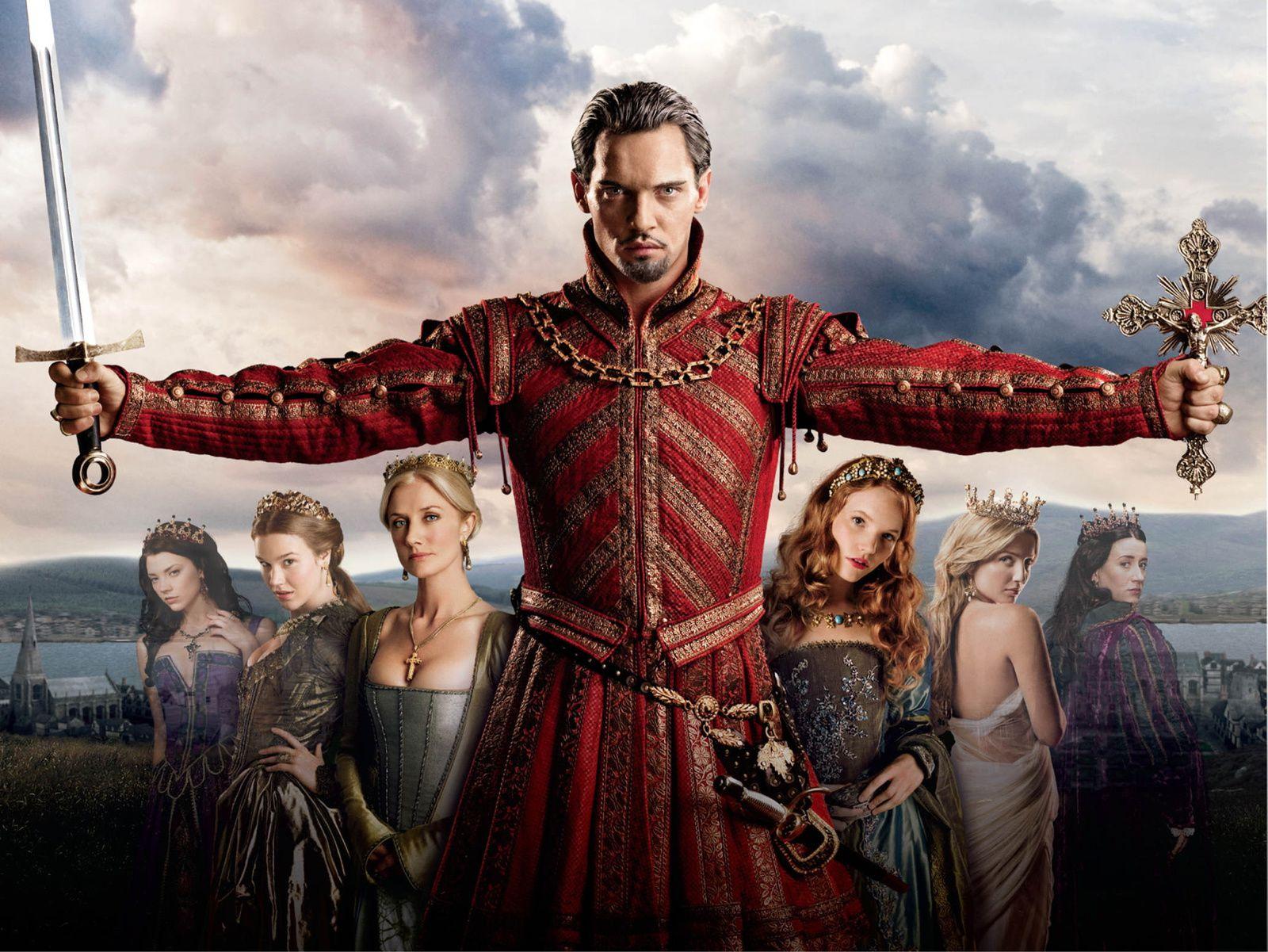 Heinrich VIII. (Jonathan Rhys Meyers) mit seinen 6 Ehefrauen.