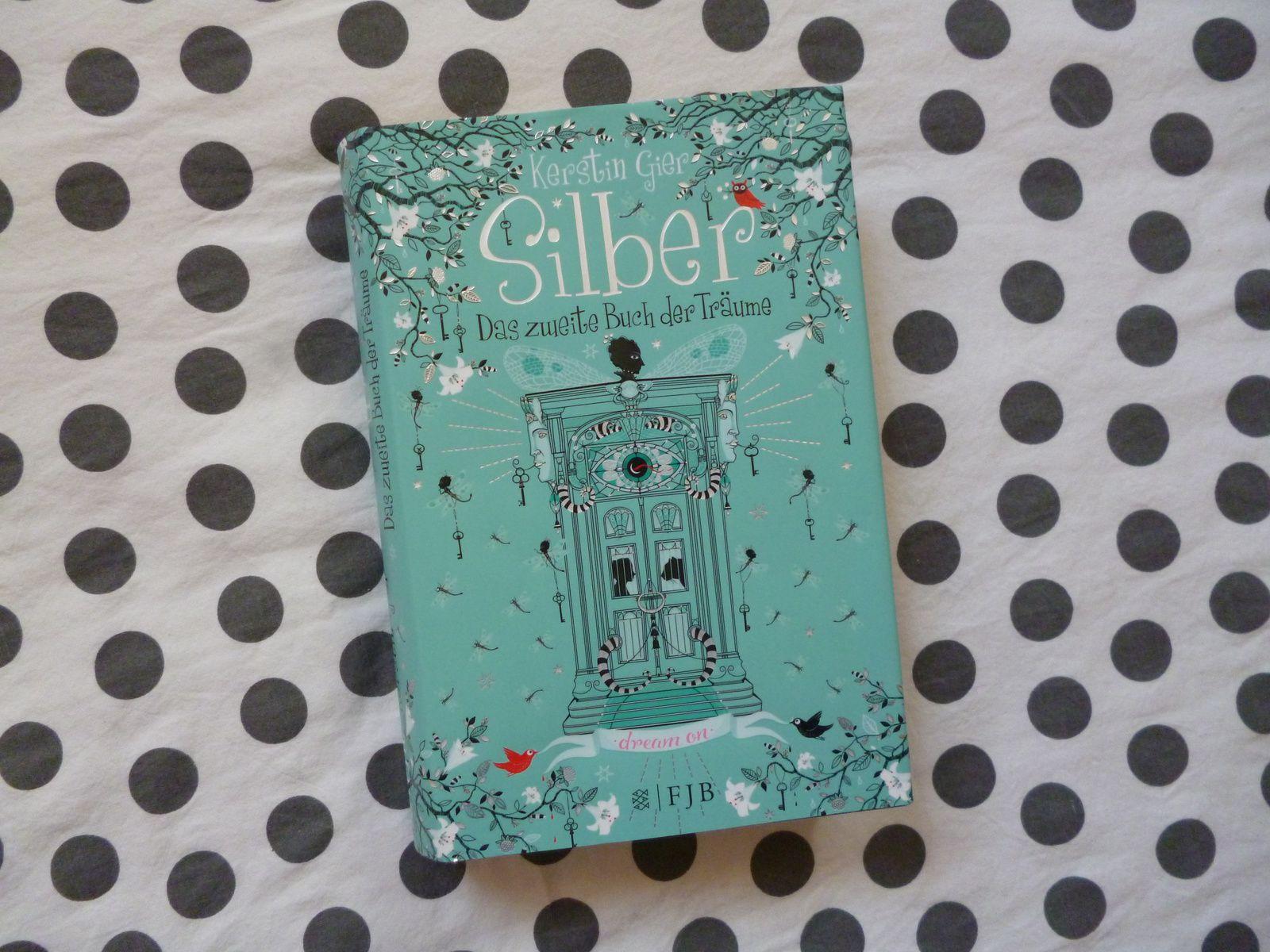 Schöne Buchcover und warum es manchmal okay ist ein Buch nach dem Cover zu beurteilen