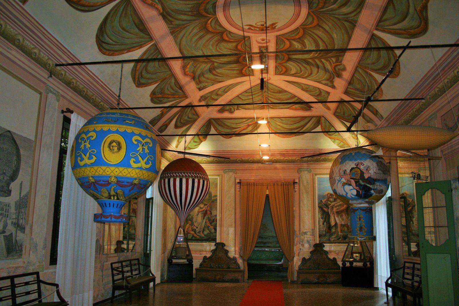 Il Castello di San Pelagio: museo del volo, giardini e labirinti