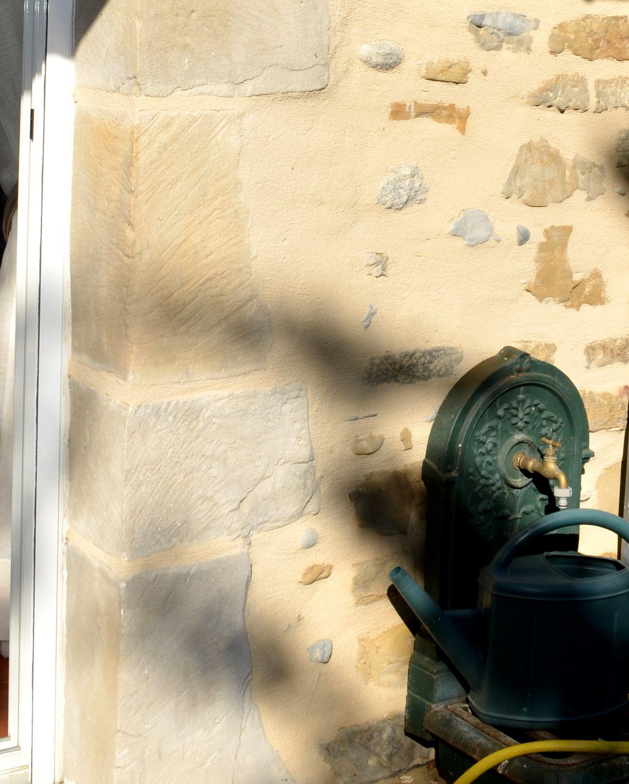 Encadrements de fenêtres ou portes et créations de lucarnes