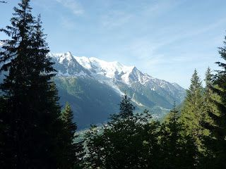 La vue sur le Mont-Blanc et le glacier des bossons en montant à la Flégère (photo prise du net car plus de batterie) et l'arrivée