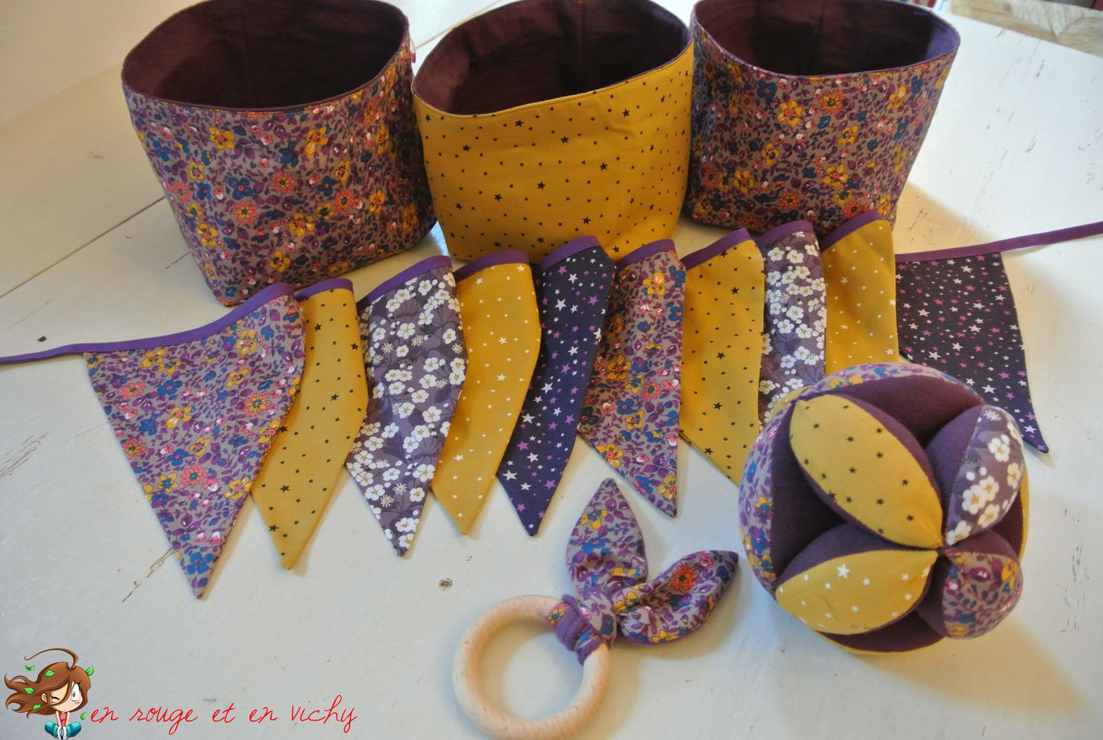Baby box violette et moutarde