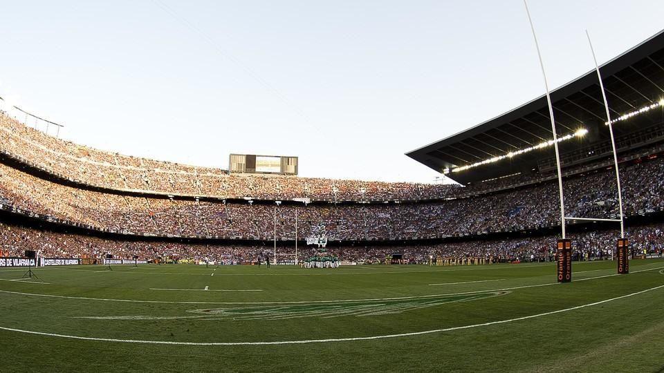 Le rugby écrit son histoire en lettres d'or au Camp Nou. / El Camp Nou entra por la puerta grande en la historia del rugby. / El Camp Nou entra per la porta gran en la història del rugbi. / World record club rugby crowd of 99,124 watch Racing 92 take French title at Camp Nou.