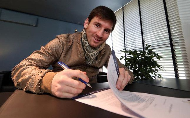 La renégociation du contrat de Messi, en marche. / La mejora de contrato de Messi, en marcha. / La millora de contracte de Messi, en marxa. / The renegotiation of the contract of Messi, on the way.