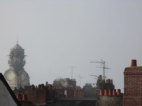 Entre les toits...