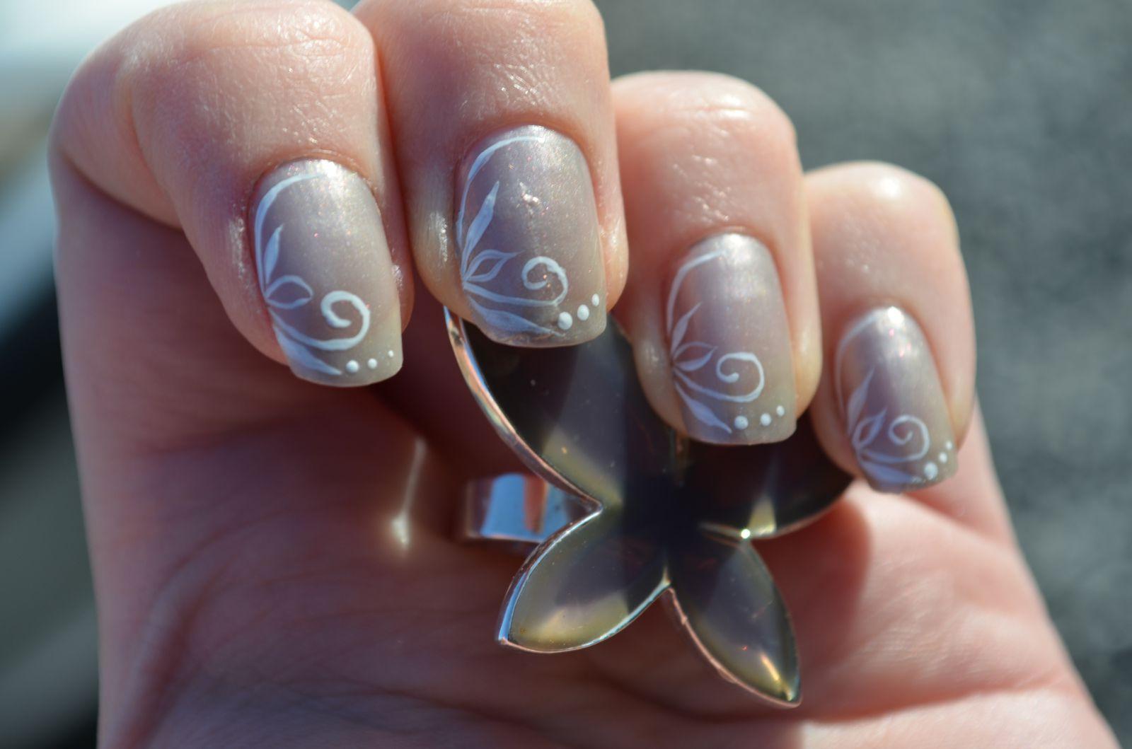 nail art gris
