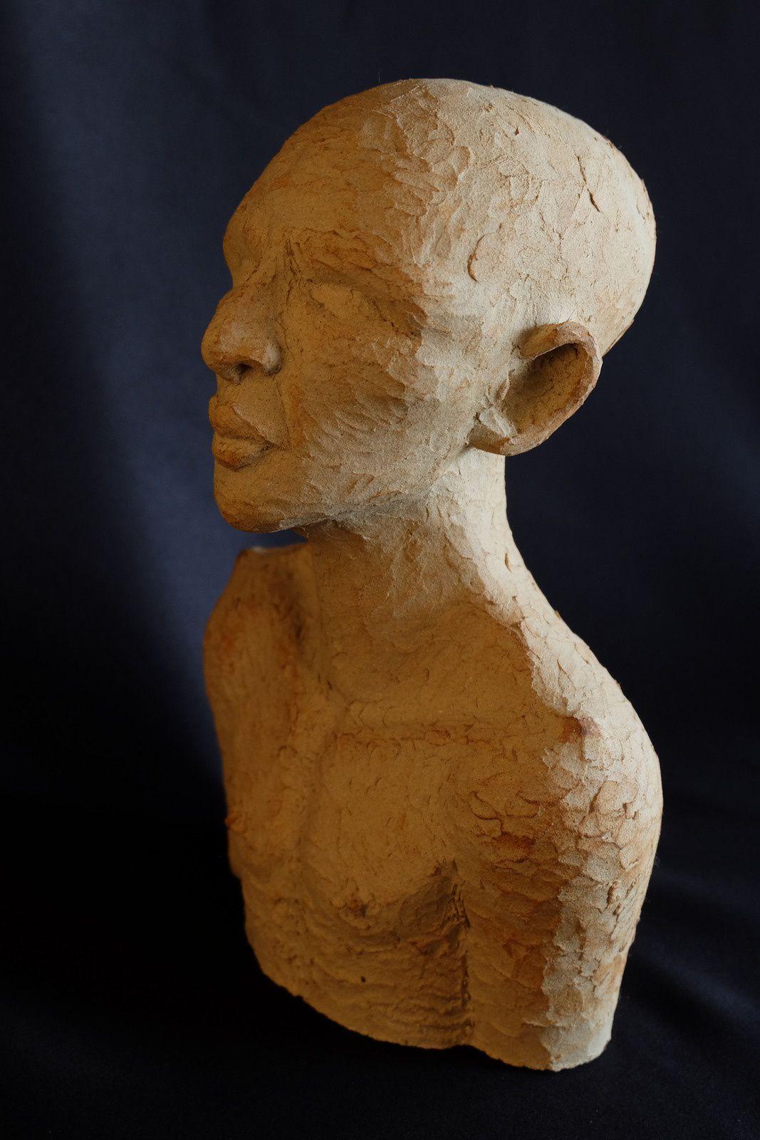 L'homme de sable. H:28cm x 17cm x 6 cm