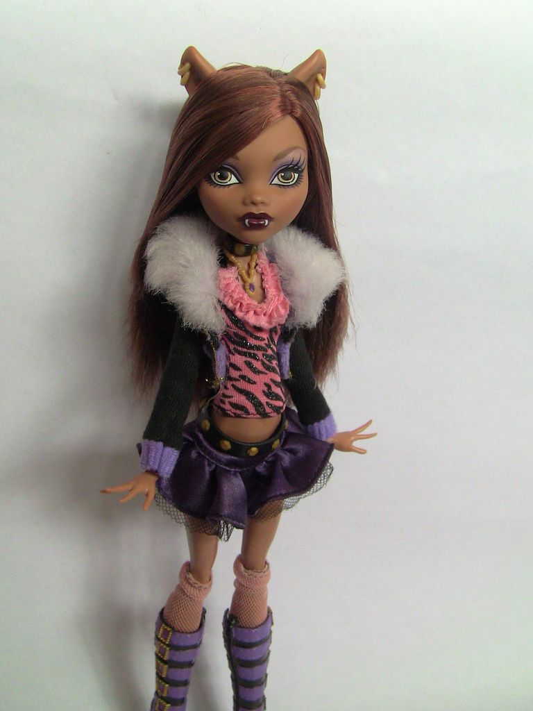 clawdeen wolf monster high en photos. Black Bedroom Furniture Sets. Home Design Ideas