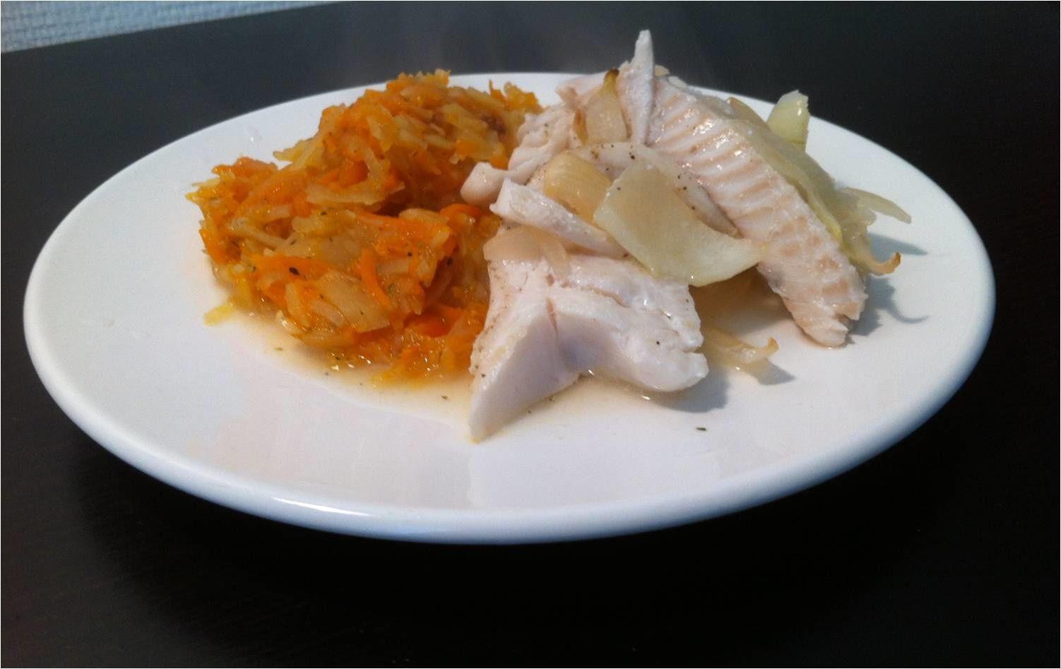 Merlan au vin blanc, carottes et pommes de terre à l'étuvée