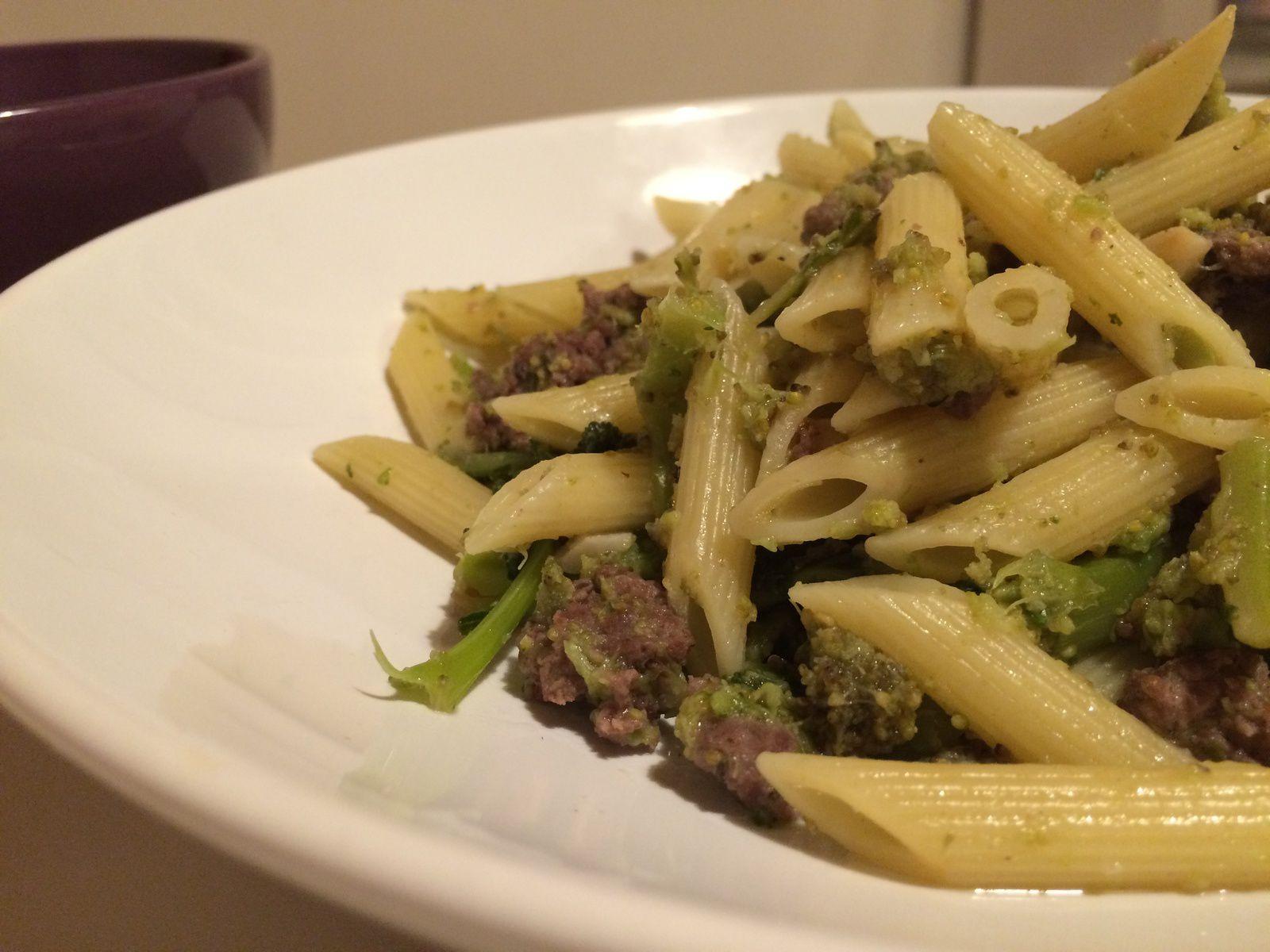 Penne aux brocolis et saucisse