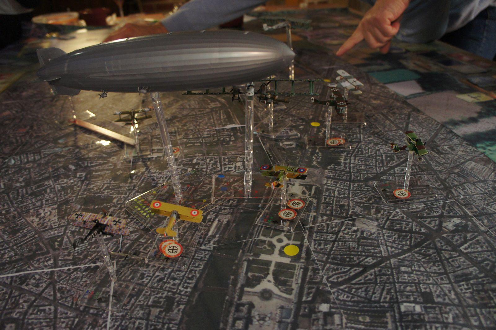 Les bombardiers prennent les Champs Elysées !