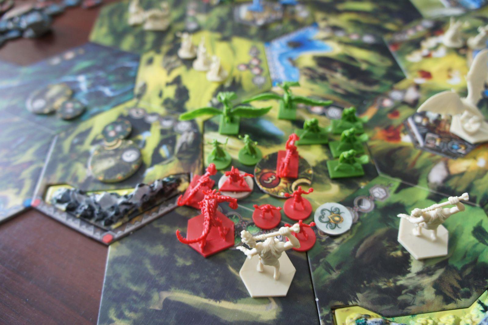 Un Elfe qui se retrouve diminué et finalement explosé par les Orcs qui ..gagnent ...