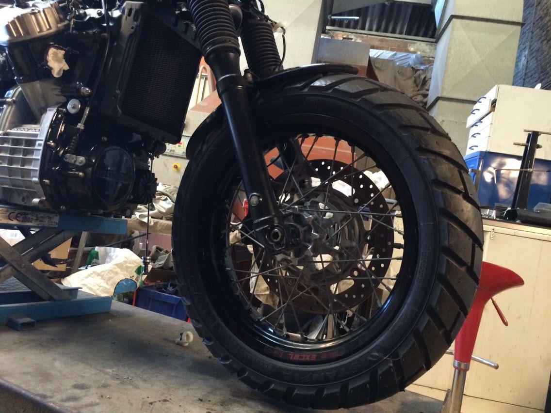 Montage des pneus mixte sur le CX