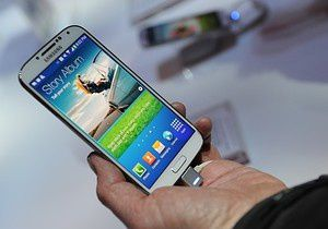 Samsung reaches biggest smartphone lead over Apple since first iPhone launched in 2007