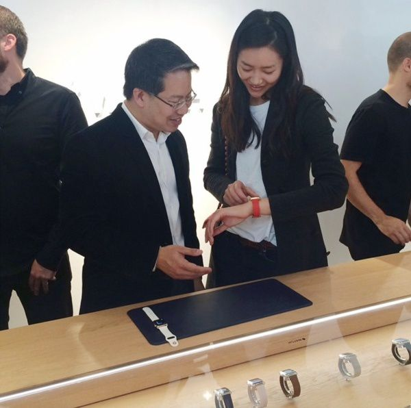 Chinese model hints at fashion-oriented advertising push for Apple watch