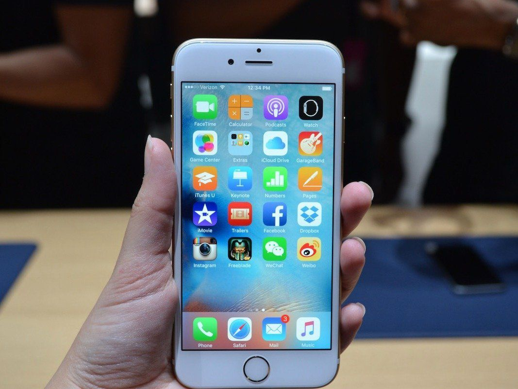 Apple's iPhone 6S is one of the best smartphones I've ever used — but here's why I wouldn't buy it