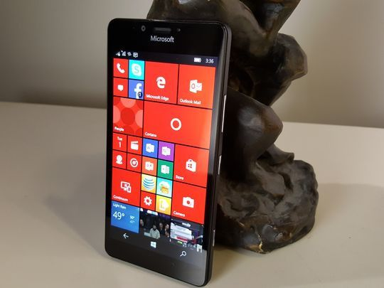 Microsoft's new Windows 10 smartphone is no world beater