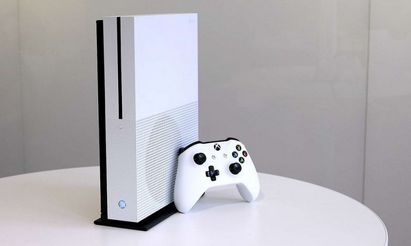 PS4, Xbox One S Dropping to $250 For Black Friday