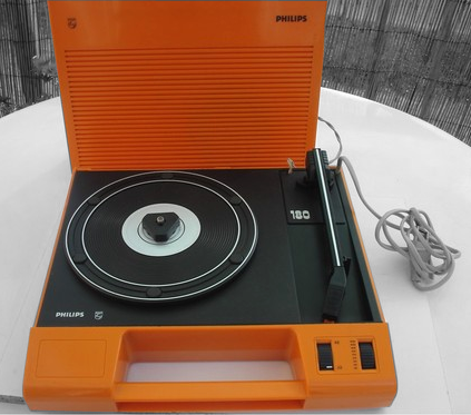 tourne disque philips af 180 orange r trovintage touch 39. Black Bedroom Furniture Sets. Home Design Ideas
