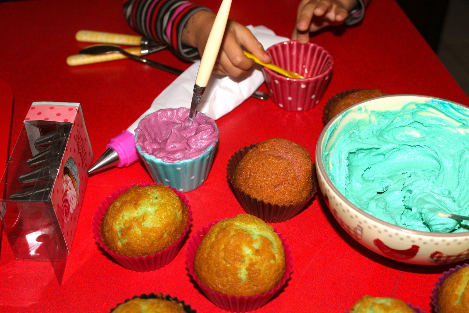 Pastels ou couleurs saturés? On peut varier la couleur en ajoutant du colorant.
