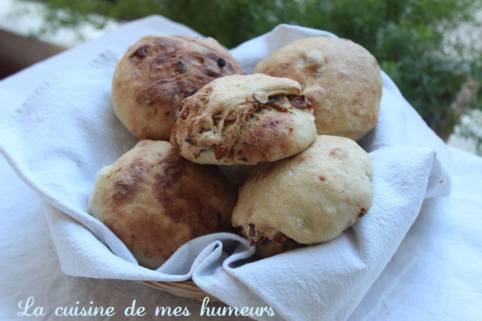 Des petits pains pour accompagner un plat ou à grignoter encore tiède au gouter