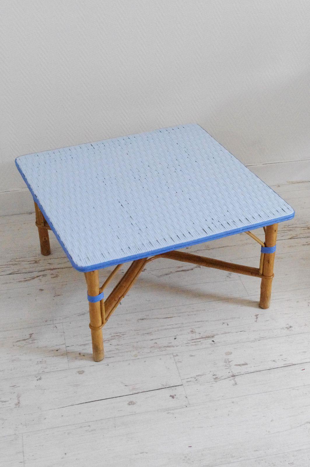 Table basse carrée rétro en osier