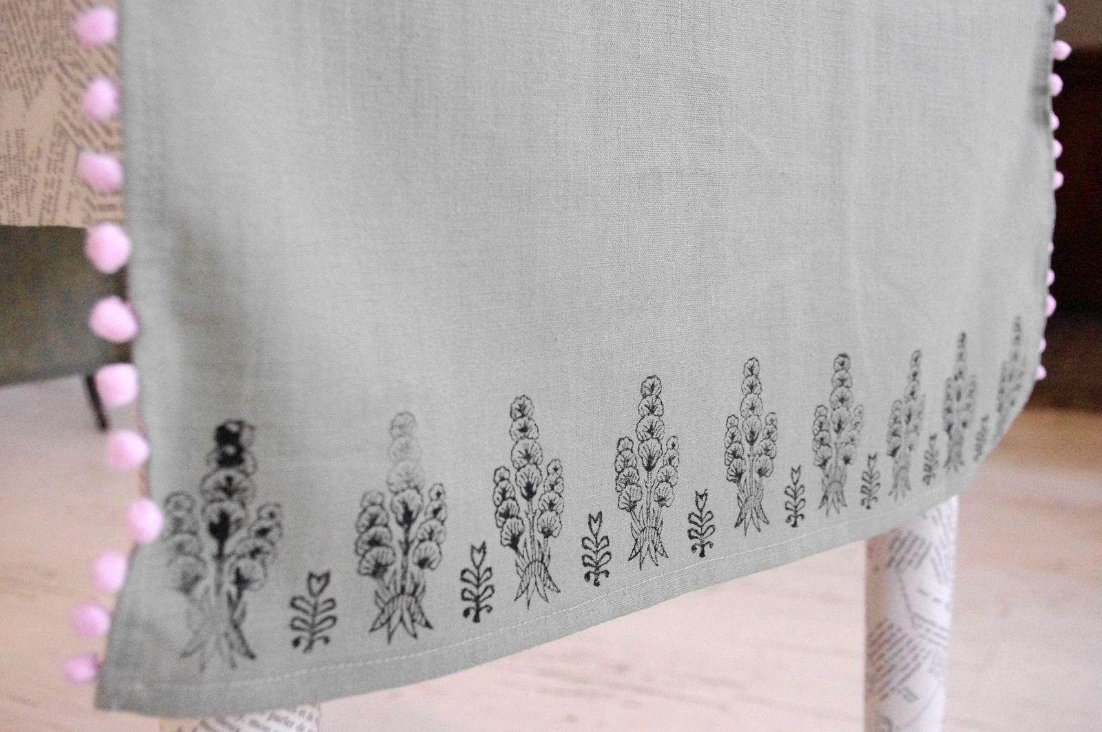 Chemin de table et serviettes vert de gris
