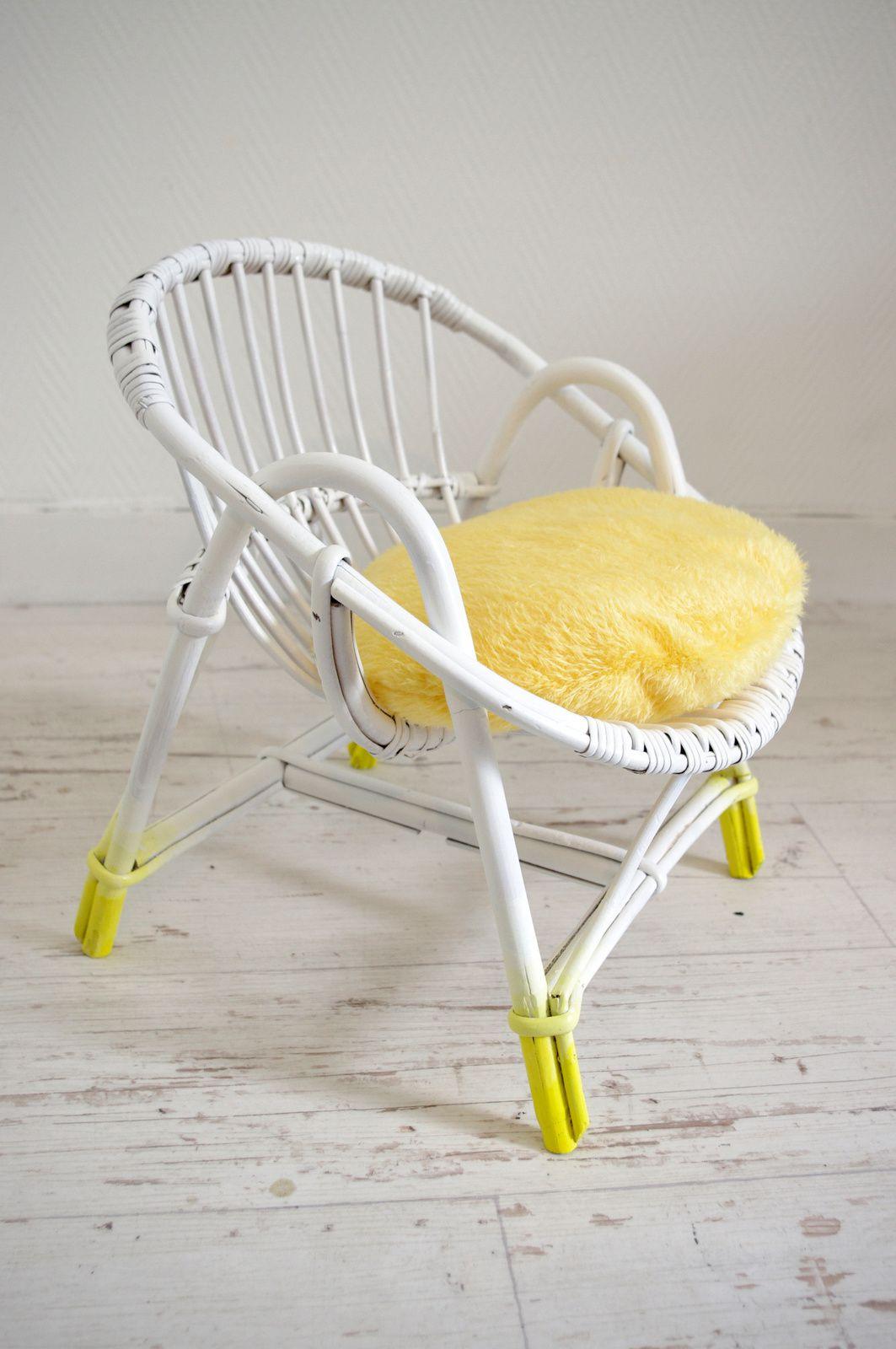Fauteuil coquille blanc et jaune pour enfant