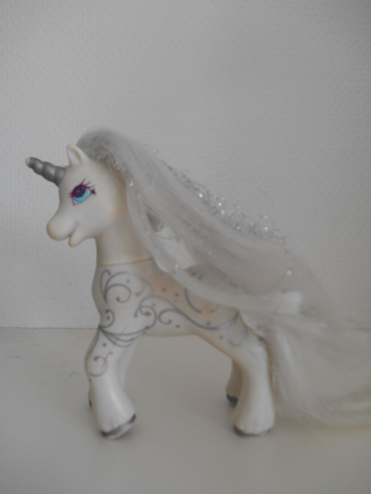 G2 Princesse scintillante / Princess Silver Swirl, exclu Europe, 1997.
