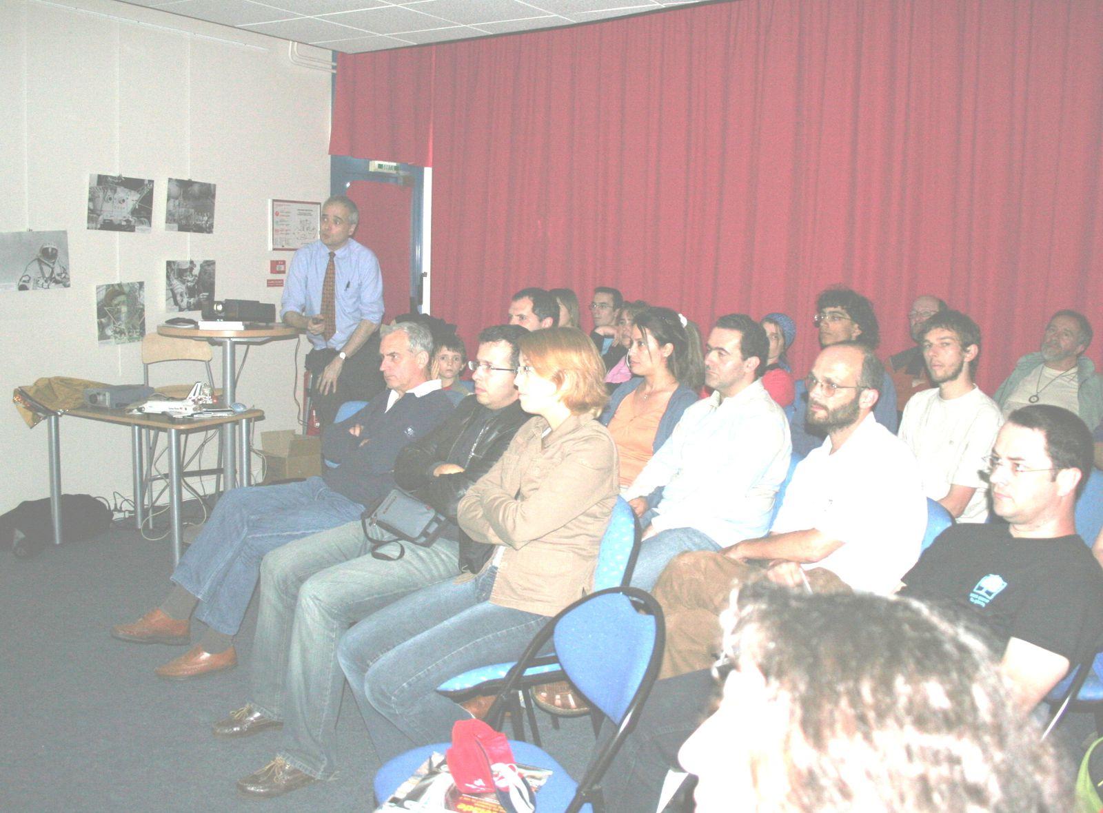 l'une des conférence de Jean-François PELLERIN à l'occasion des 50 ans de conquête spatiale en 2007