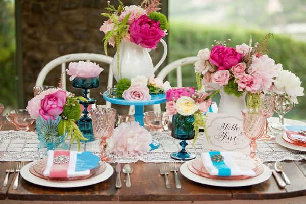decoration table rose et bleu