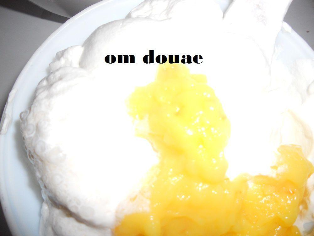 طارطة شكل قلب بكريمة البرتقال