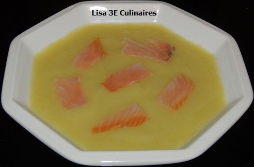 Potage poireaux - pommes de terre - saumon fumé