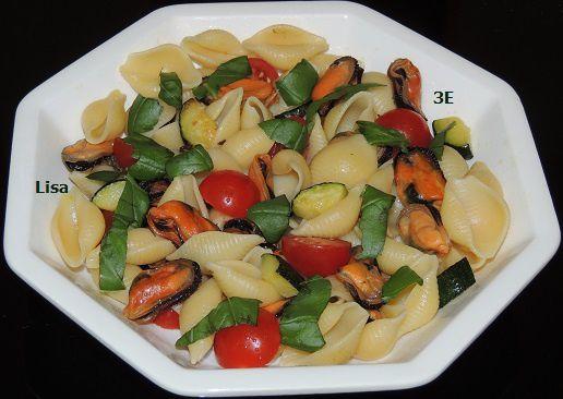 Pâtes moules - courgette - tomates cerise - basilic