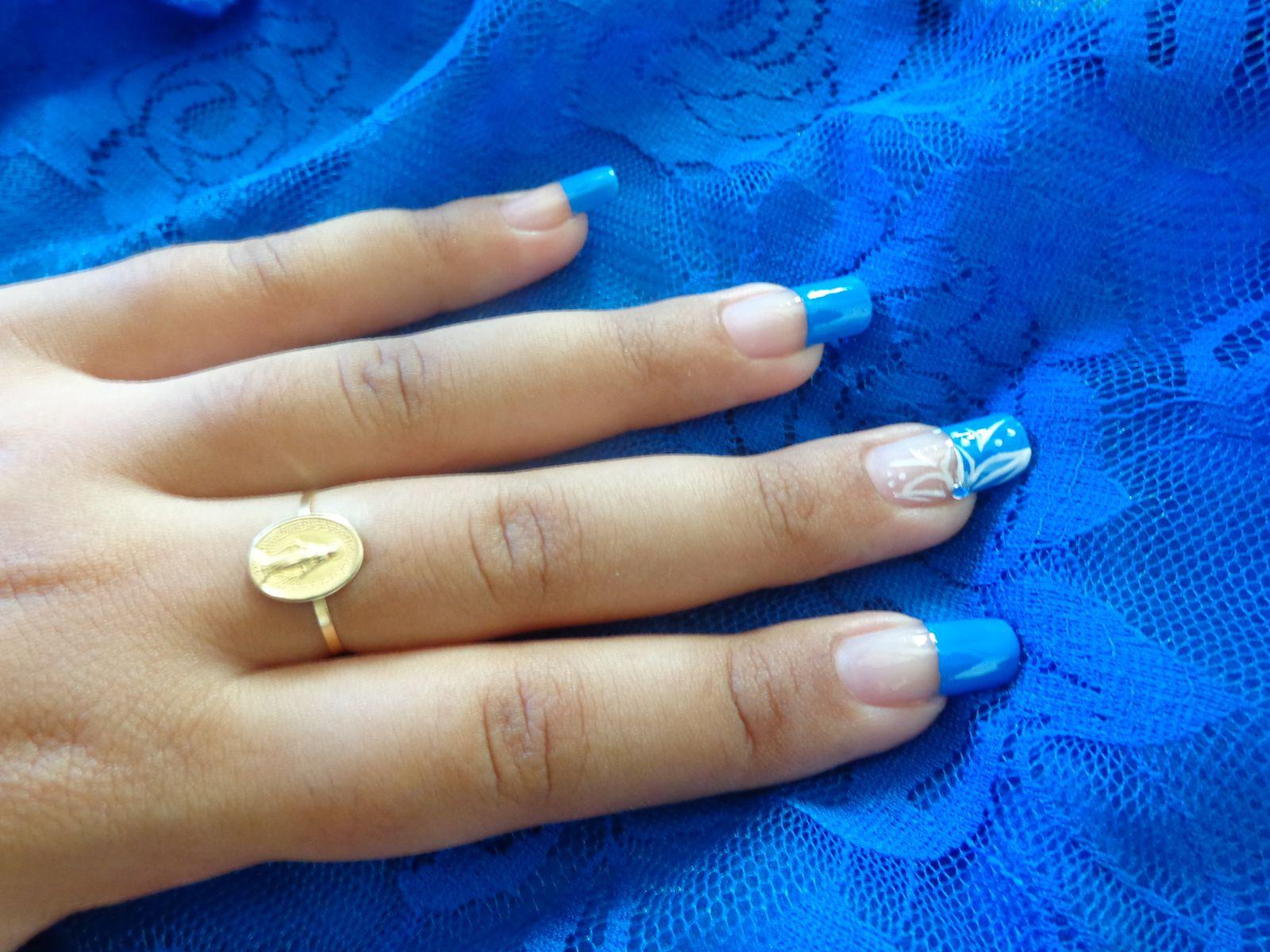 Nail Art : Blue Blue :)