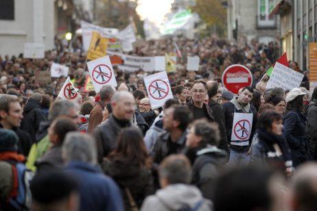 Des milliers de personnes mobilisés ce samedi dans le centre de Nantes © Reuters Stephane Mahe