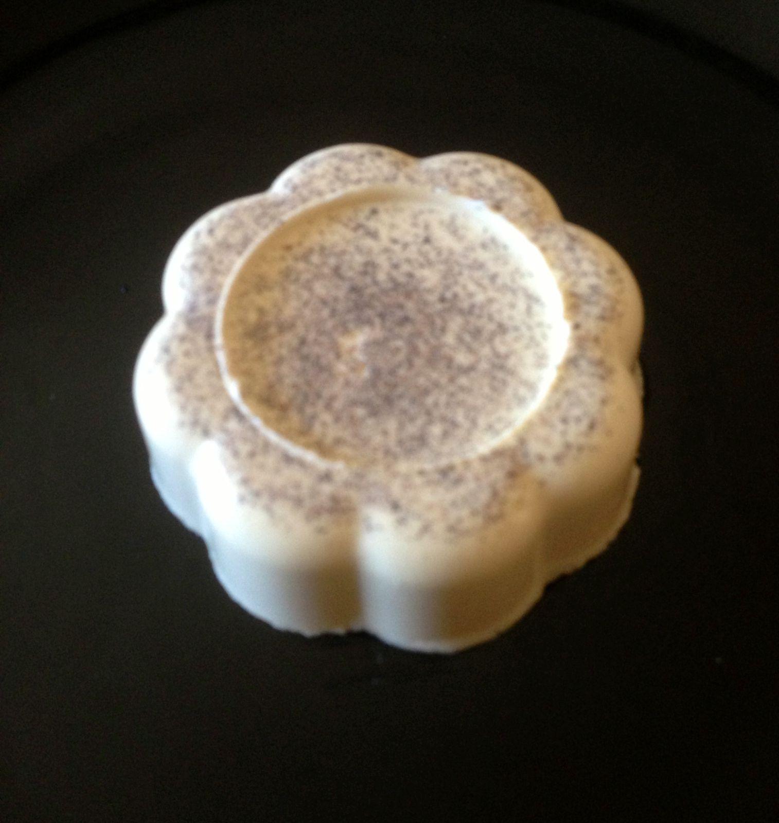 Fleur de panna cotta au cœur de framboise avec le thermomix