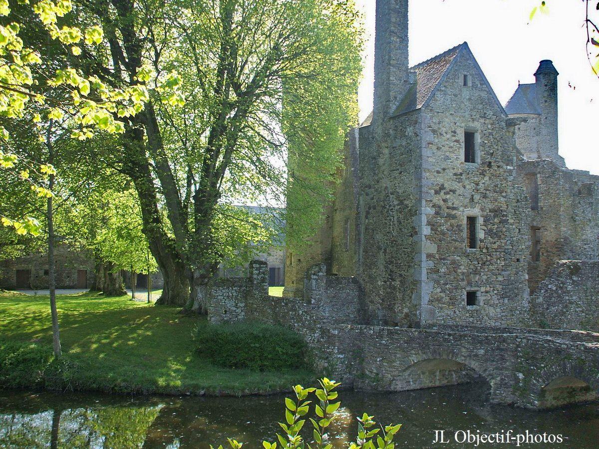 Château de Gratot, Manche - Basse-Normandie photo prise le 29-04-2010