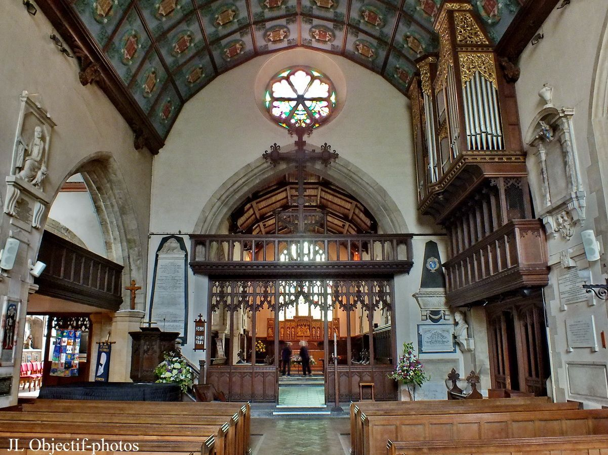 The parish church of St Mary in Petworth, West-Sussex, England. L'église Sainte Marie de Petworth, Angleterre