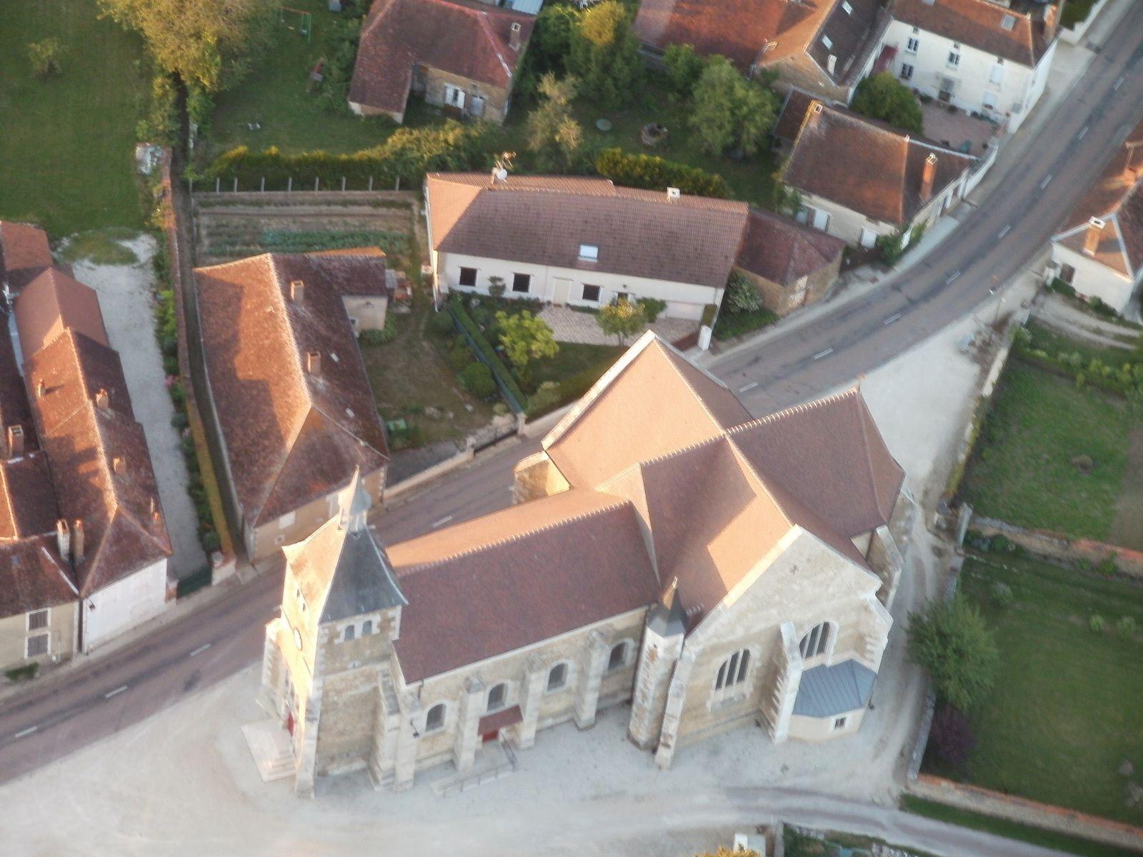 me voilà dans l'Aube au dessus de Marolles sous Lignières dont l'église attire ma curiosité