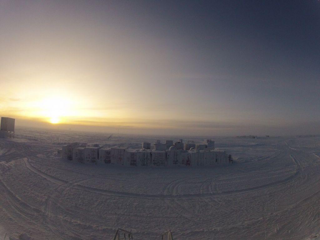 Septembre a concordia les aventures d 39 albane en antarctique for Yann tiersen la fenetre