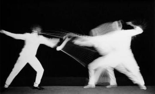 """two fencers multiflash"" Harold Edgerton  (chronophotographie) 1938"