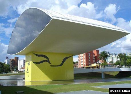 Musée Niemeyer, 2002, Brésil, architecte Oscar Niemeyer.