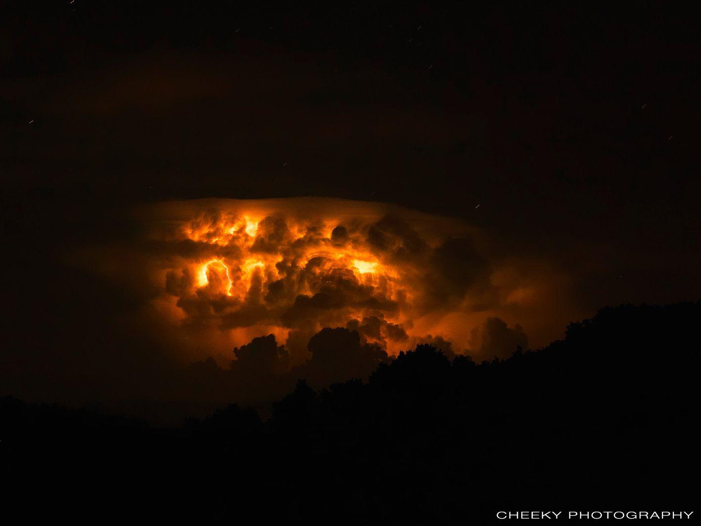 Les orages nocturnes
