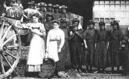 Les trieuses de charbon nommées modistes.