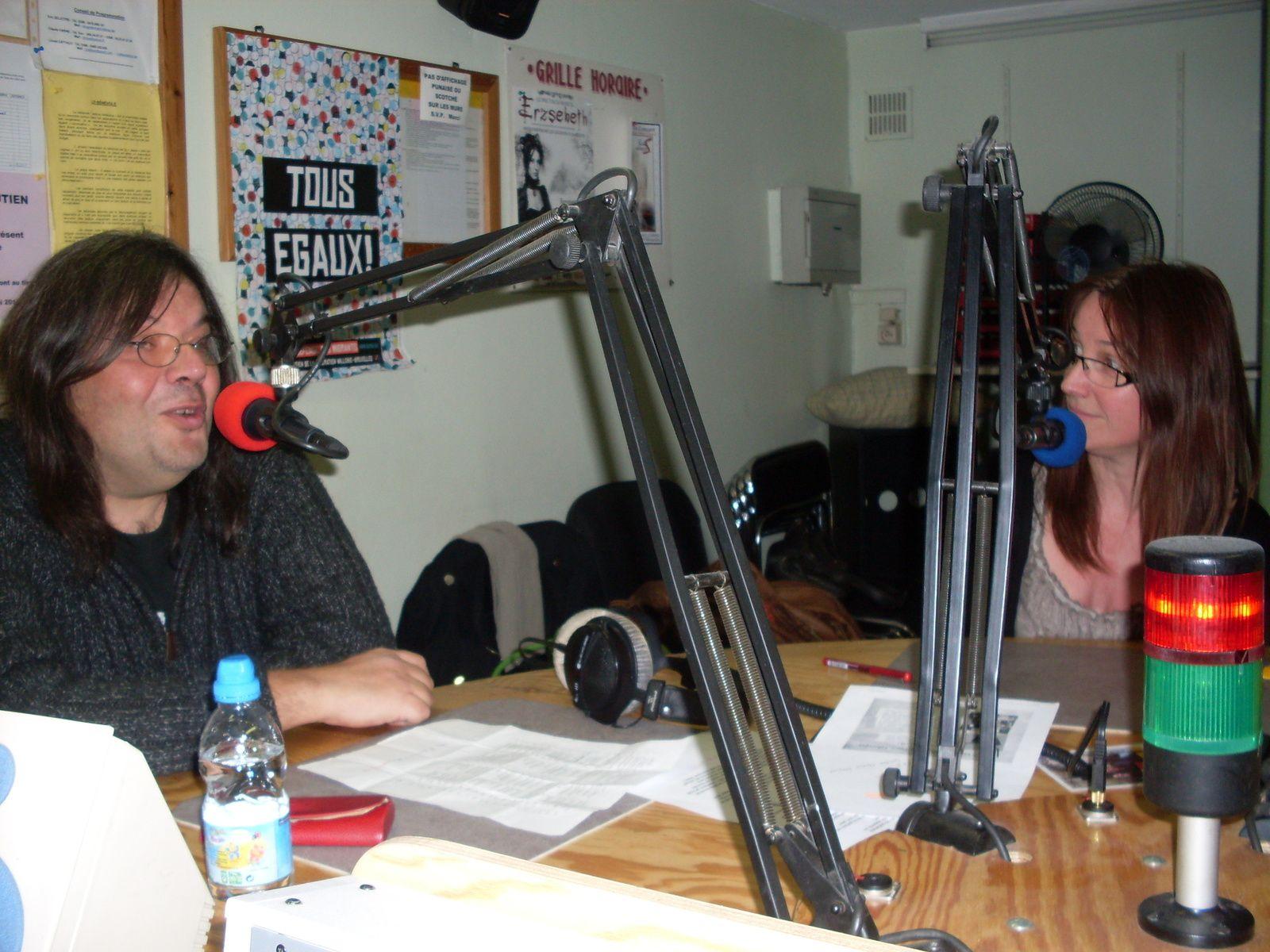 Philippe Galina et Marie Pickablues dans le studio de RQC